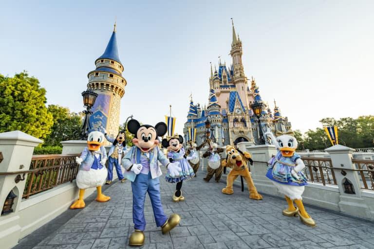 Walt-Disney-World-EARidescent-Characters
