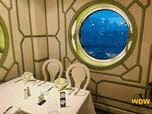 Disney-Dream-Enchanted-Garden-Dining-Room