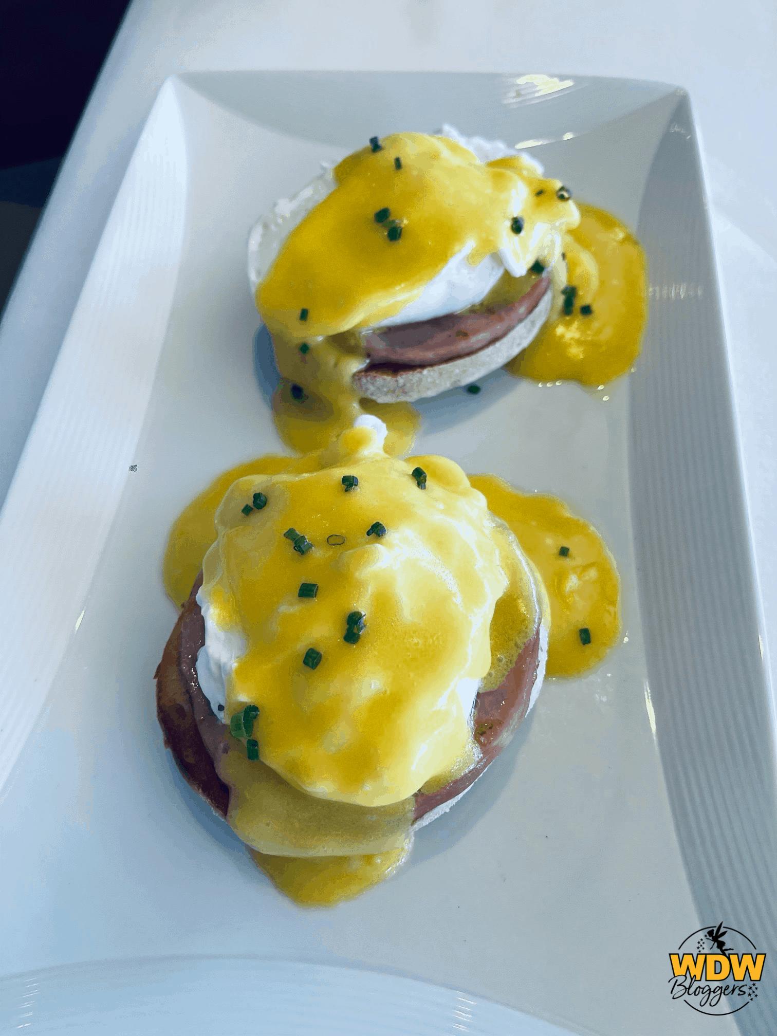 Disney-Dream-Palo-Brunch-Eggs-Benedict