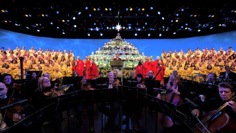 Epcot-Candlelight-Processional-Returns-November-26-at-Walt-Disney-World