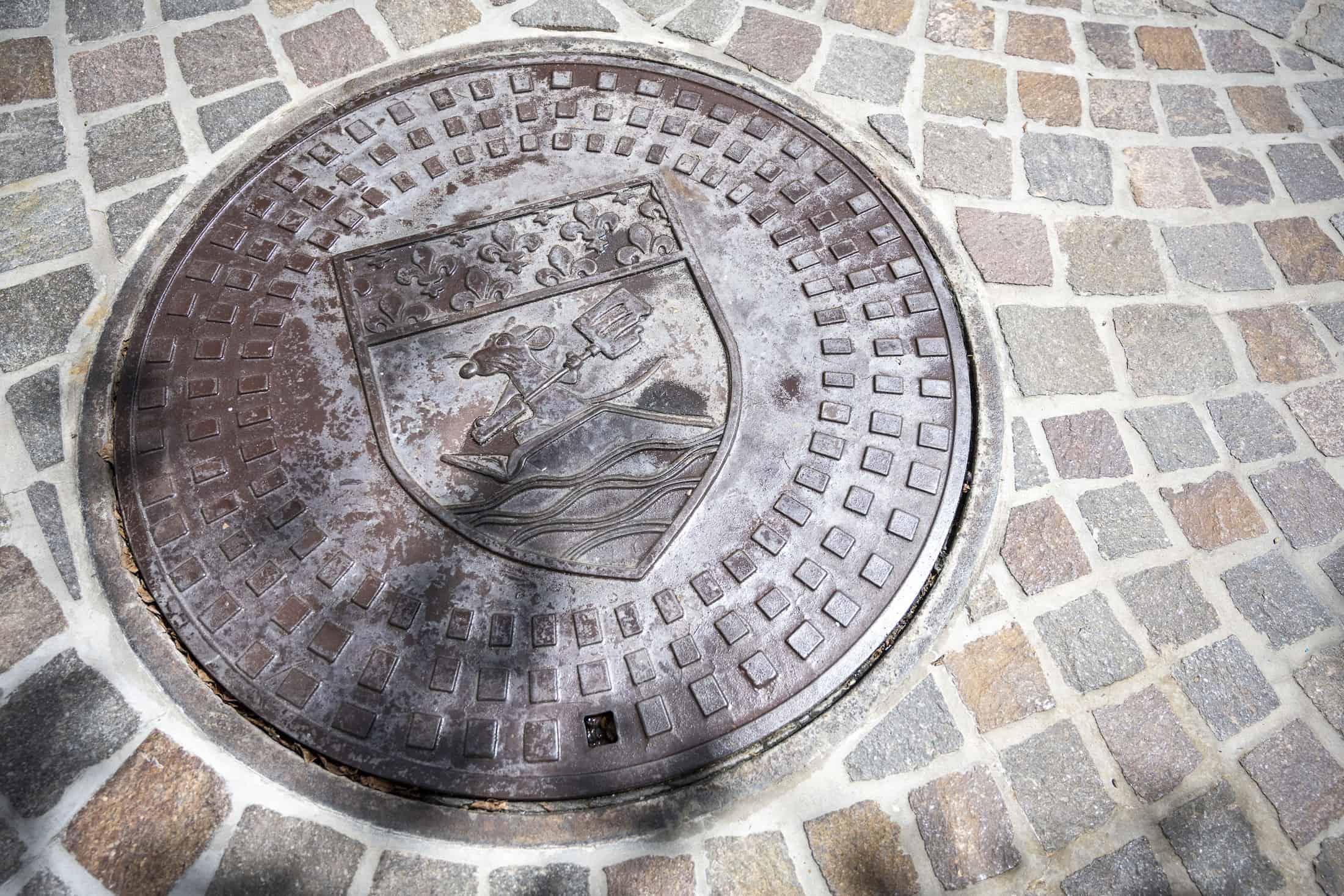 Epcot-France-Pavilion-Ratatouille-Sewers