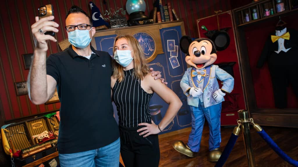 Character-Meet-and-Greets-Return-to-Walt-Disney-World-in-November